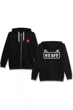 Veste à capuche J&M Staff noir : Veste à capuche noire J&M avec logo JACQUIE & MICHEL STAFF dans le dos et petit logo J&M sur le devant.